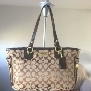 Coach Signature Galley Shoulder Bag